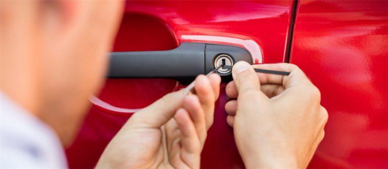 Kiedy zatrzaśniesz kluczyki w aucie – umów Awaryjne otwieranie samochodu
